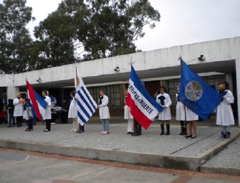 Asociación Calabresa - Escuela Publica Acto Banderas