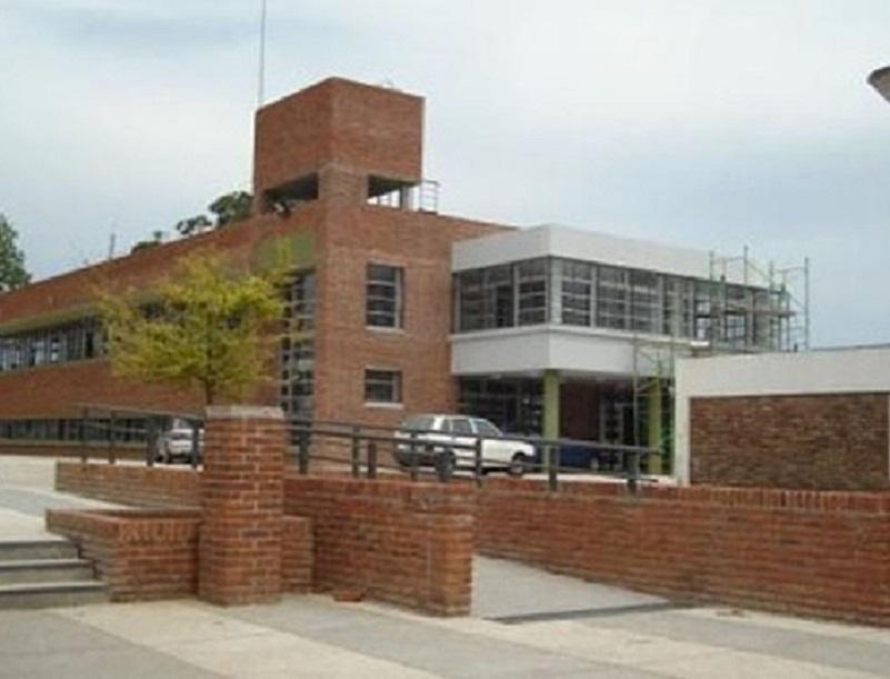 Asociacion Calabresa - Escuela Pública Fachada