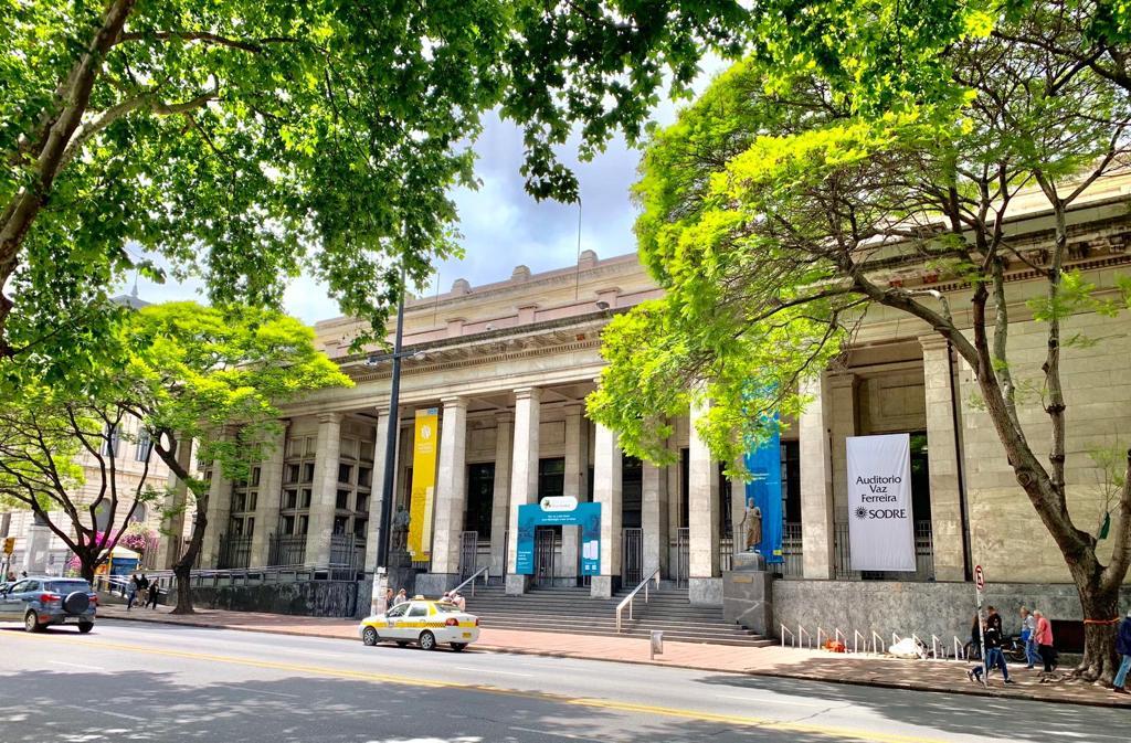 Día - Bibliotecanacional
