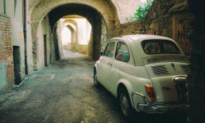 Fiat - Modelo 500 En Callejon