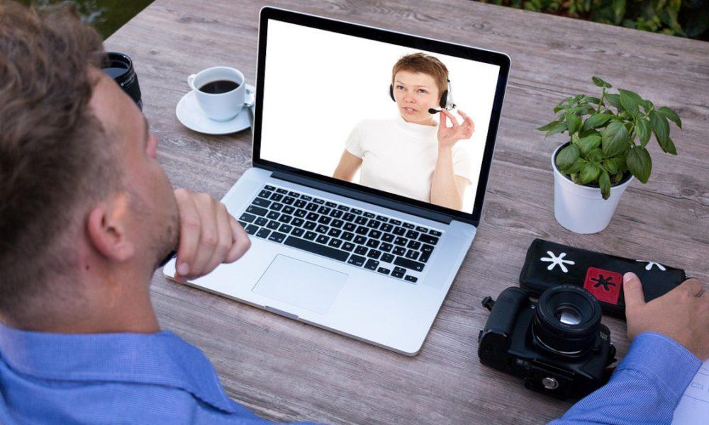Zoom - Persona En Videoconferencia