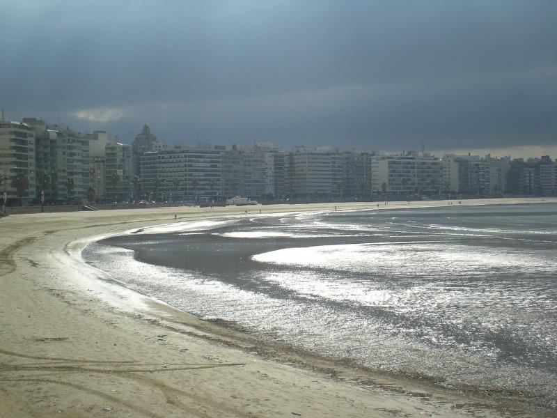 Palabras - Rambla De Montevideo