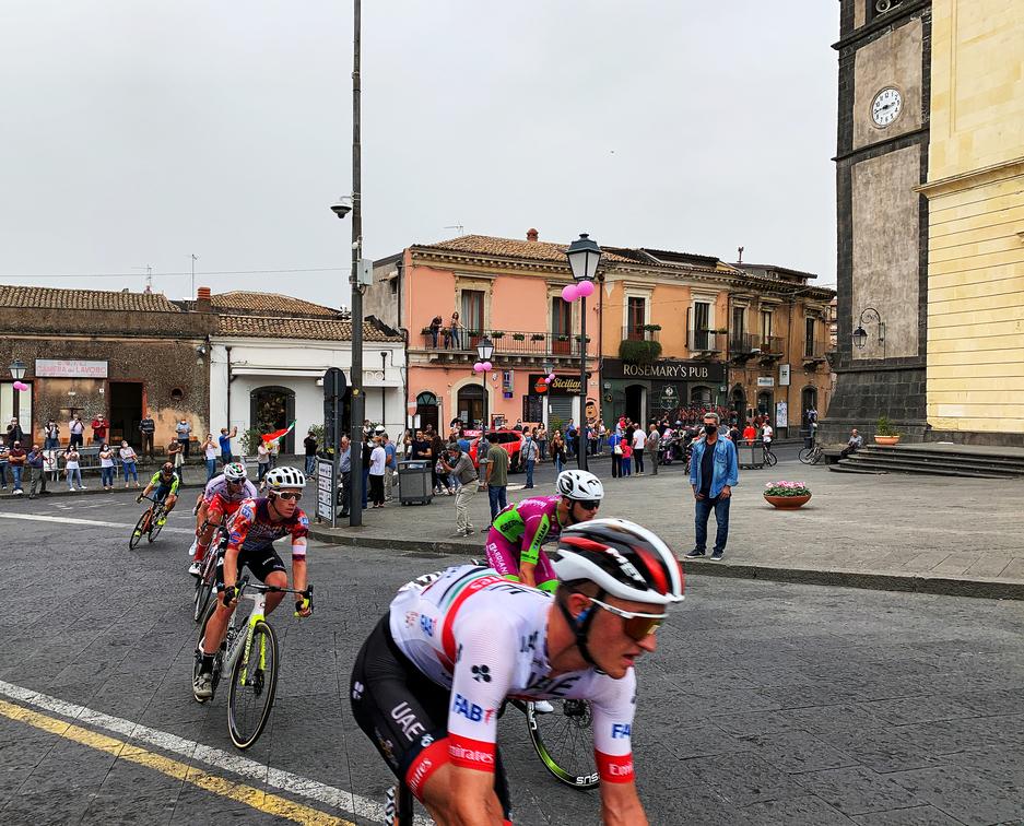 Ciclisti durante i Giro D'Italia A Nicolosi