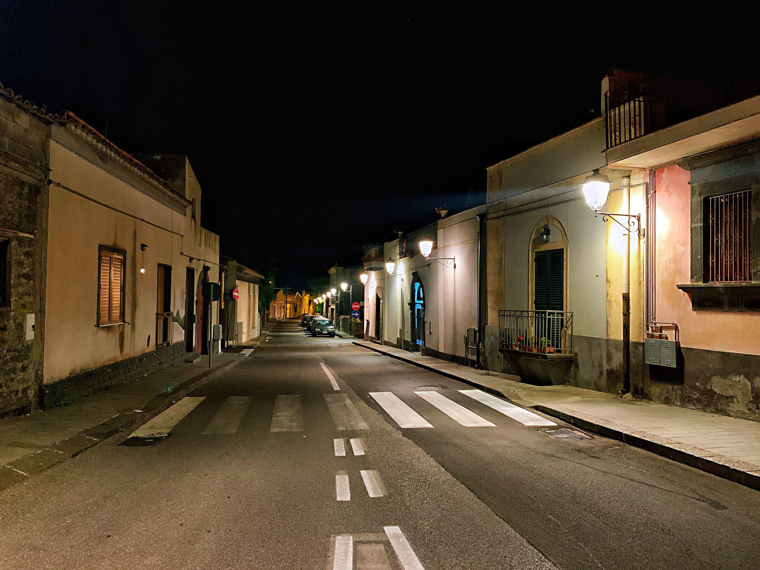 Sicilia - Nicolosi Di Notte via fratelli Gemmellaro