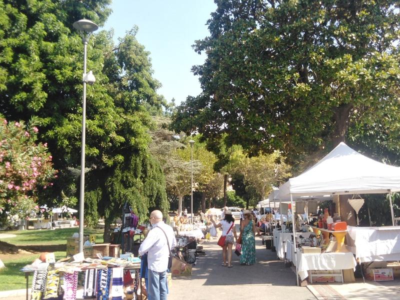 mercato in villa comunale