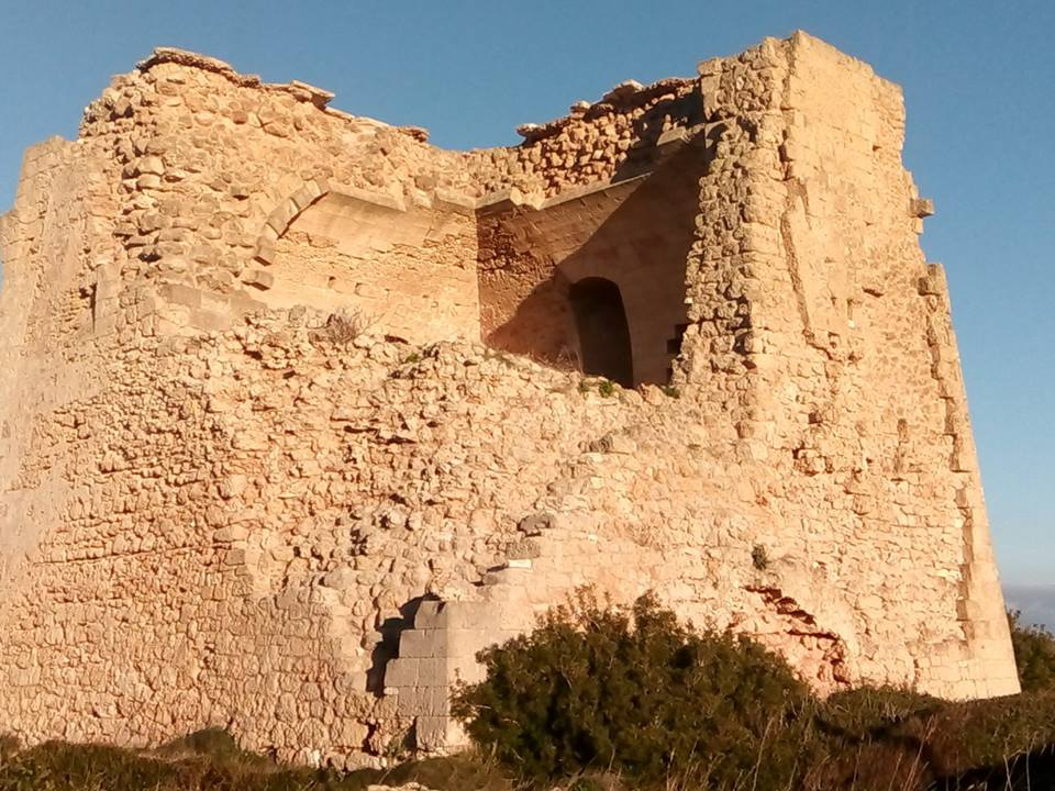 Torre Pozzelle in parte crollata