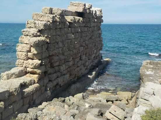 Egnazia Resti Di Mura Zona Archeologica Mare