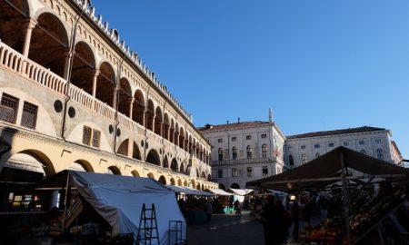 Padova Piazza Delle Erbe E Lato Sud Del Salone