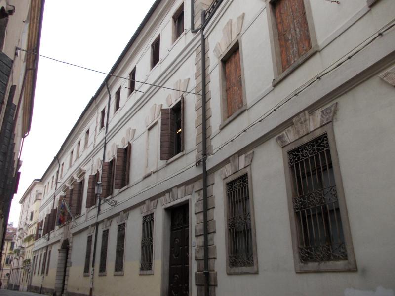 Palazzo MussatoBinary Comment