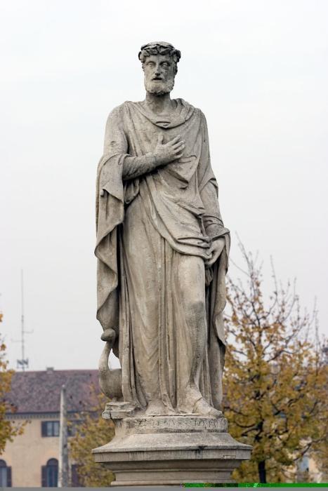 Palazzo Mussato Statua Albertino M Matteo De Fina