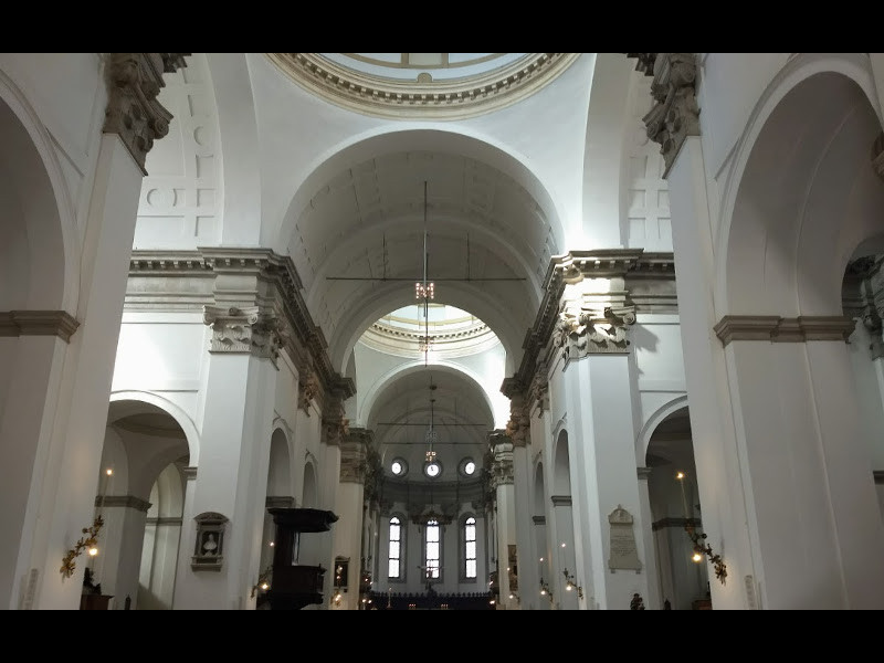 Interno Del Duomo Di Padova Foto Camelia.boban