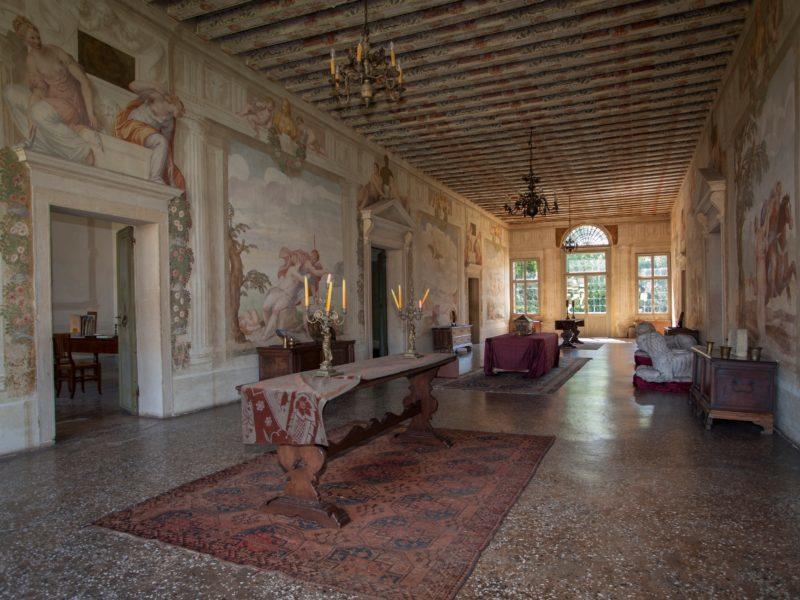 Salone Degli Affreschi Villa Roberti