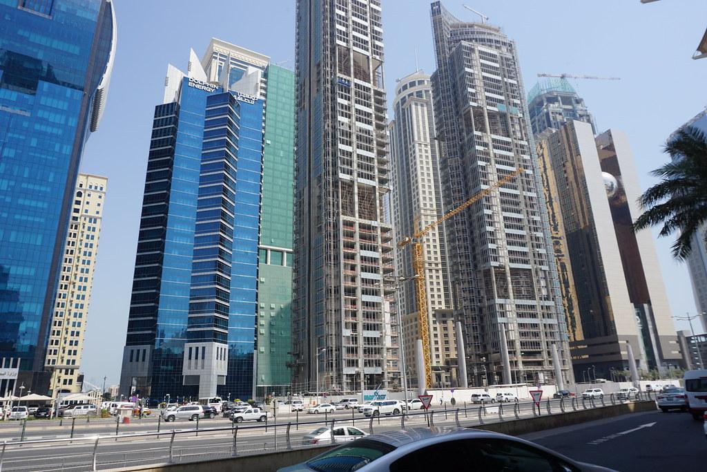 Italiani in Qatar - i palazzi di Doha In Costruzione