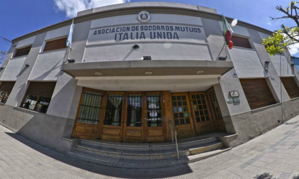 Club italia unida - Frente