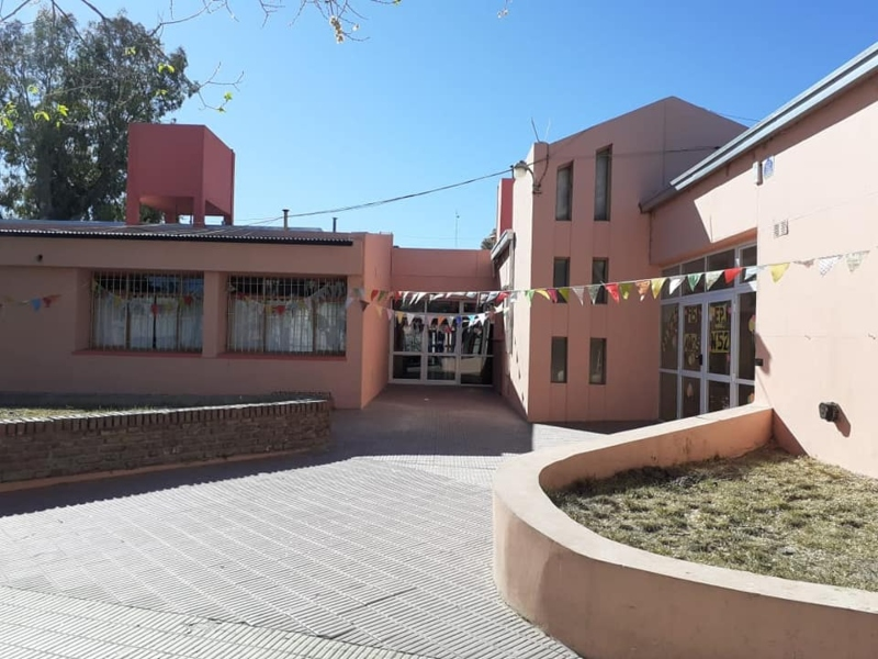 Escuela - Frente de Escuela