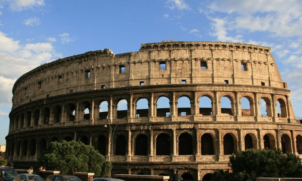 idioma italiano - coliseo romano