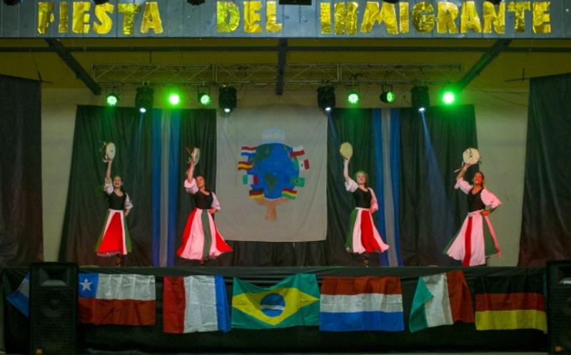inmigrante - Baile de Italia en la fiesta del inmigrante