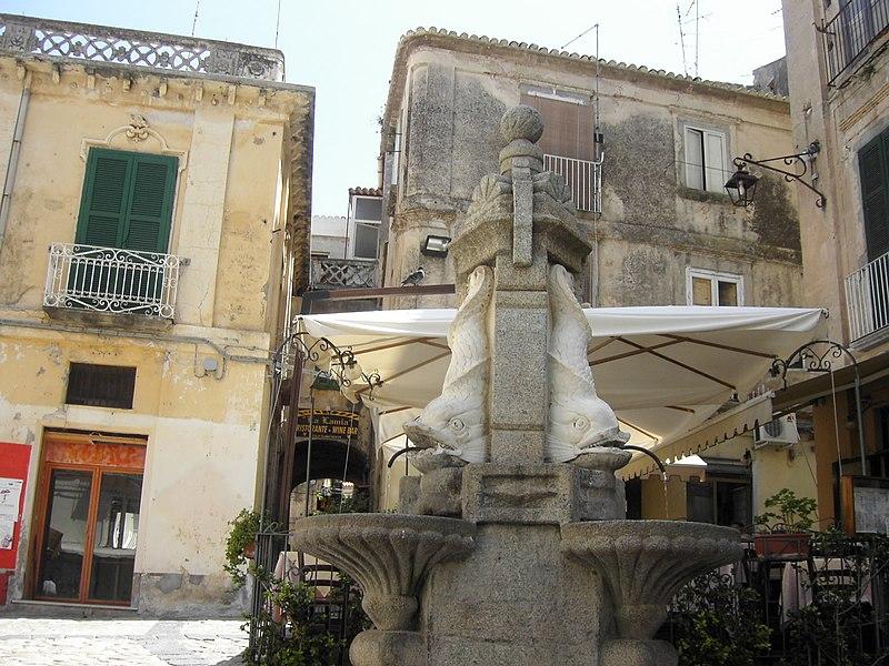 Piazza Ercole storia tropea