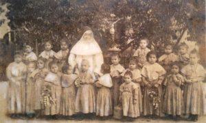 Epidemia - Elmina y niños