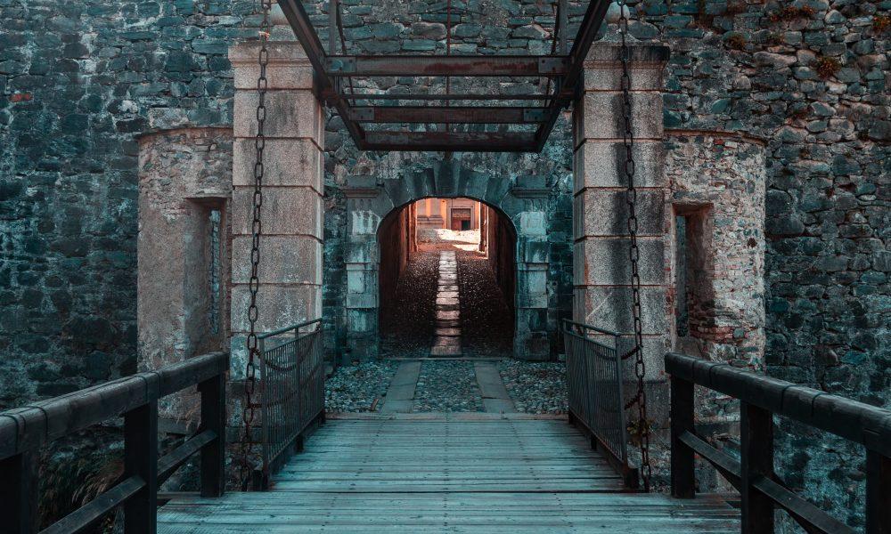 Escudo familiar - Fenestrelle's Fort Entry, Italy