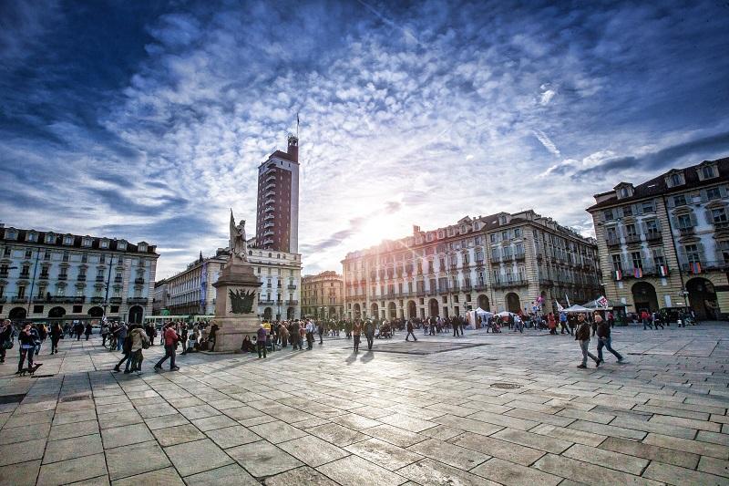AMPRA - Piazza Castello Torino