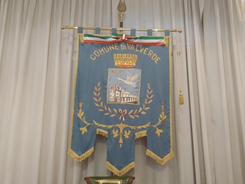 Segni distintivi: il Gonfalone. Foto: Cavaleri Francesca Agata