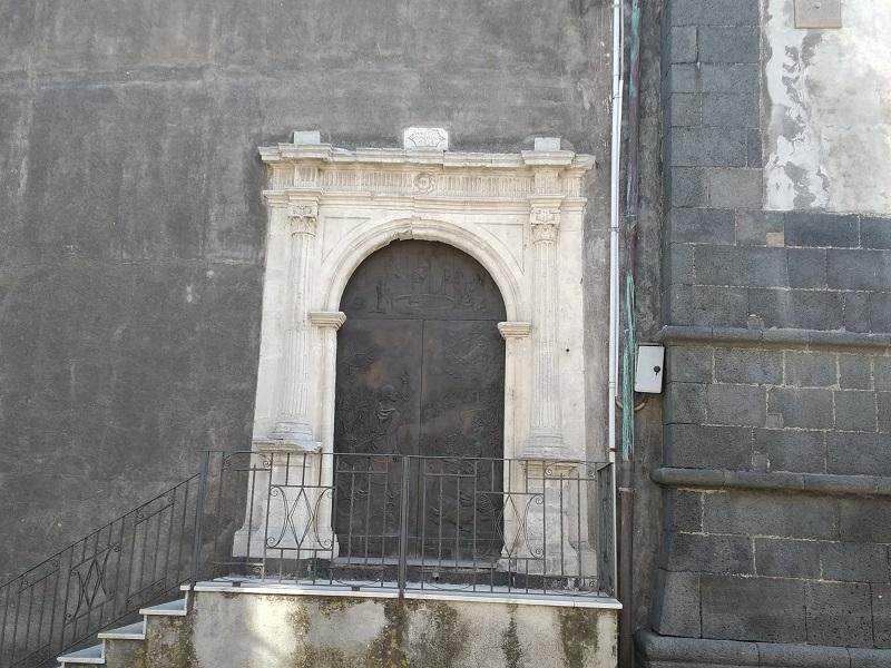 Iscrizioni- porta laterale del Santuario - Foto: Cavaleri Francesca Agata