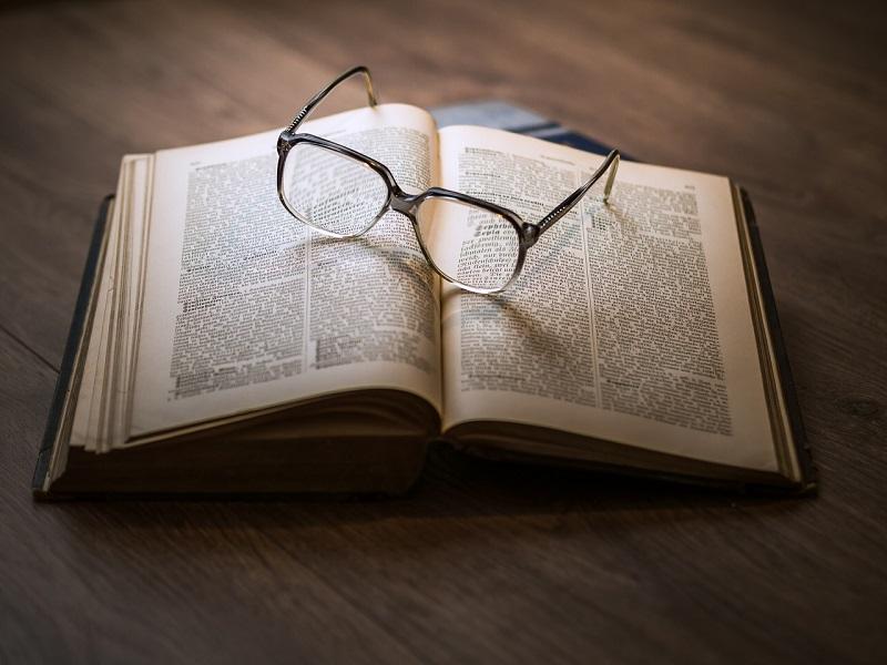 Borse di studio; un libro - Foto: Pixabay
