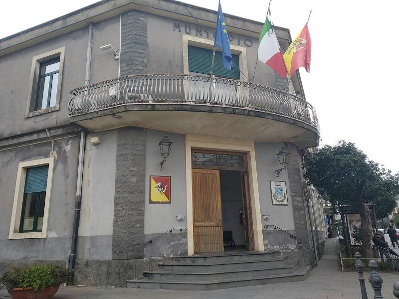 Municipio di Valverde aperto - Foto: Cavaleri Francesca Agata