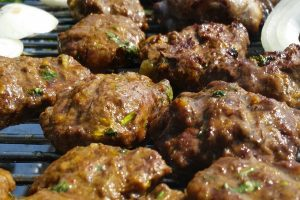 Polpette in festival- un piatto di polpette arrostite - Foto: Pixabay